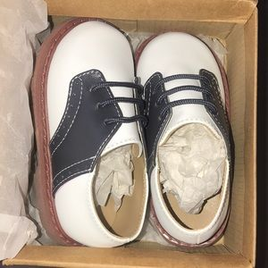Other - Baby boy saddle shoes - navy and white